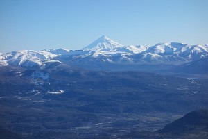 Love this view from the top, San Martin below and the volcano on the horizon. Snow was dwindling.